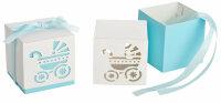 30 Geschenkboxen - hellblaues Band - Kinderwagenausschnitt